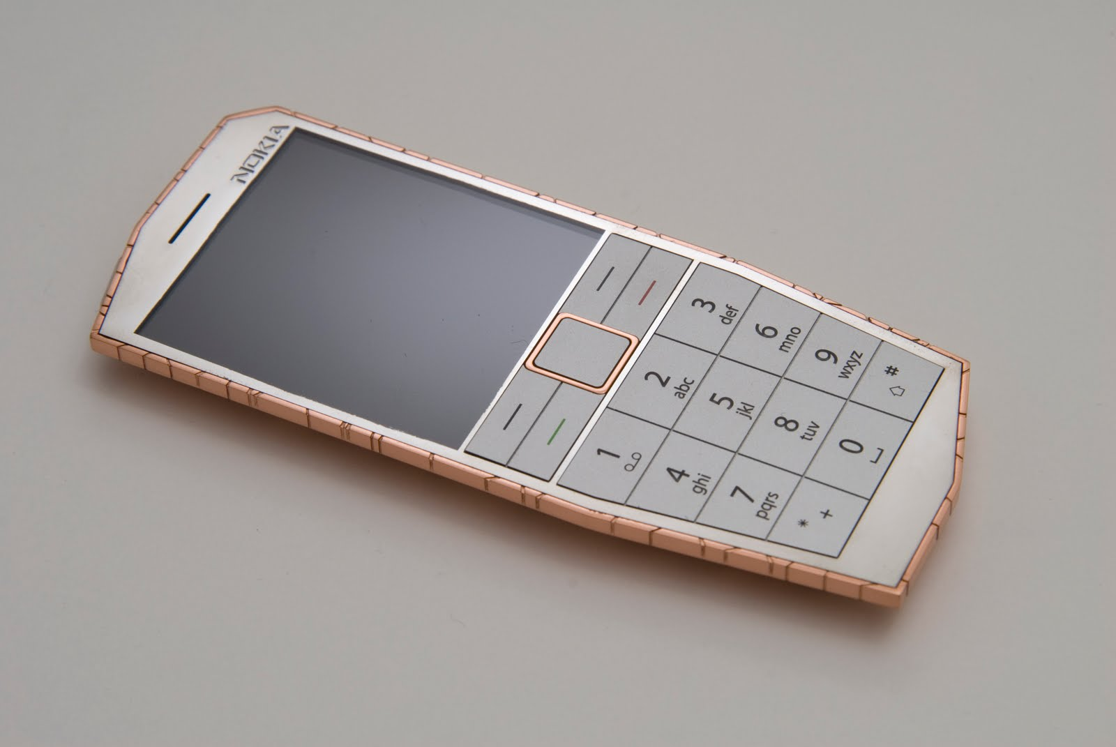 Un mobile Nokia qui se charge avec la chaleur du corps