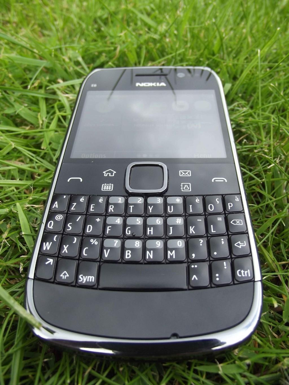 5-Nokia_E6
