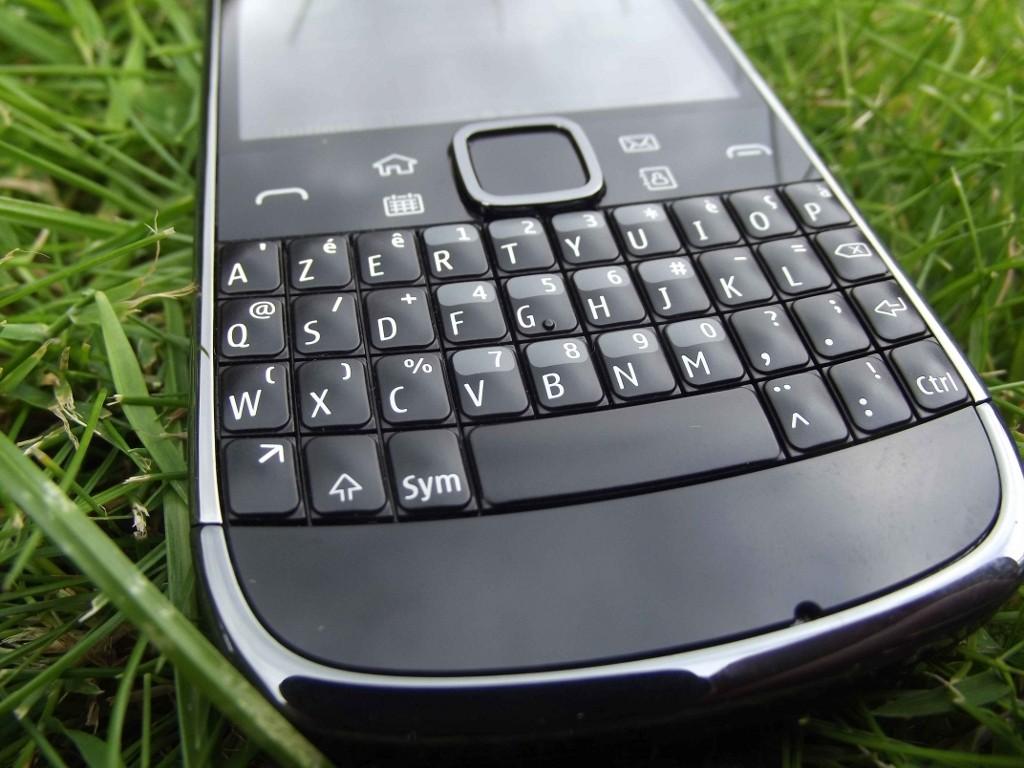 6-Nokia_E6