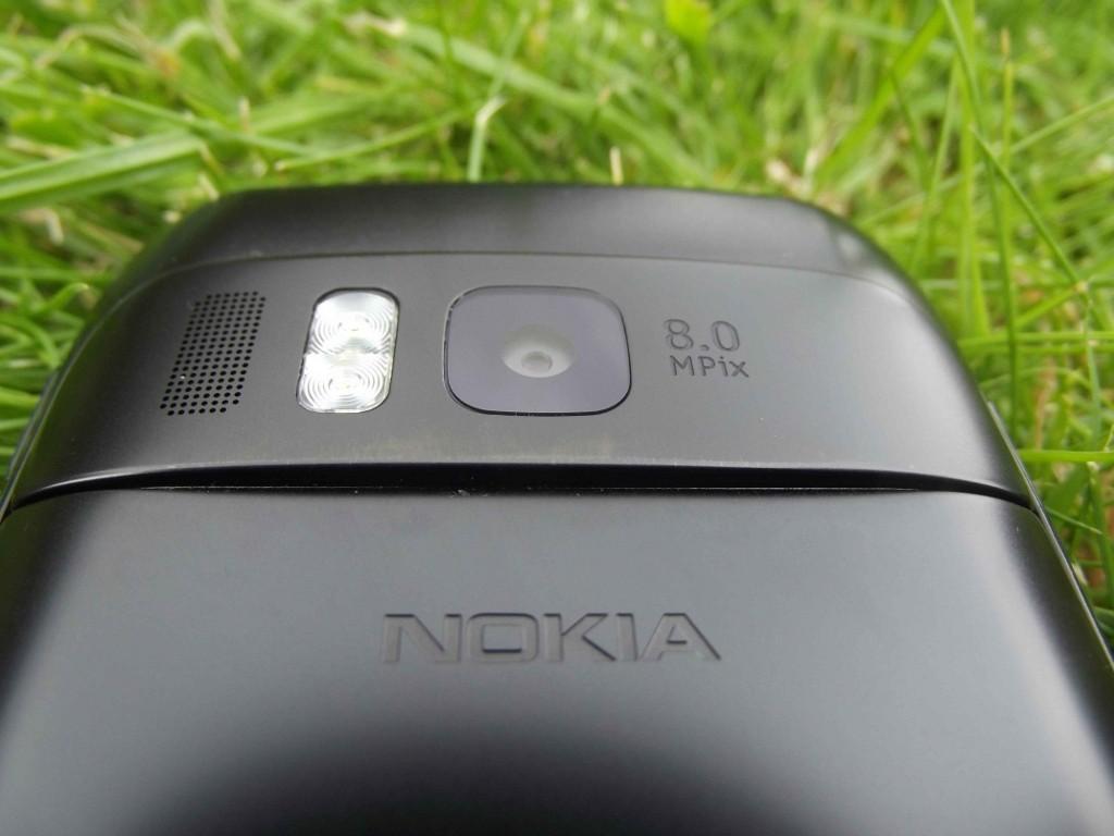 9-Nokia_E6