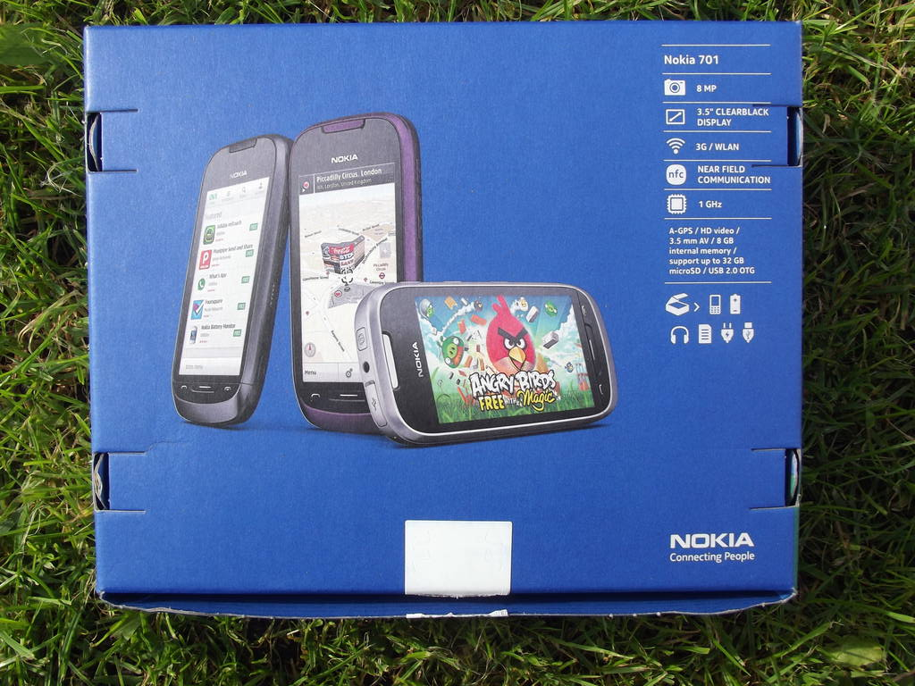3-Nokia_701