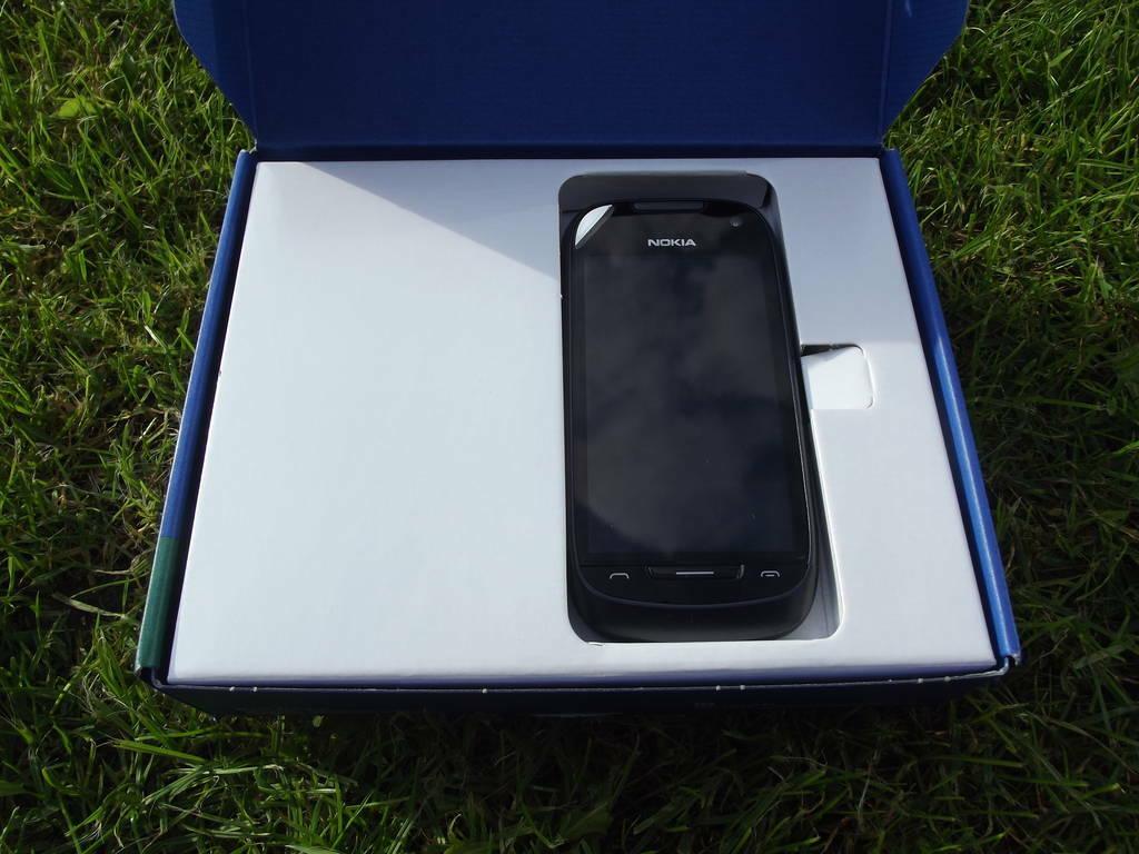 4-Nokia_701