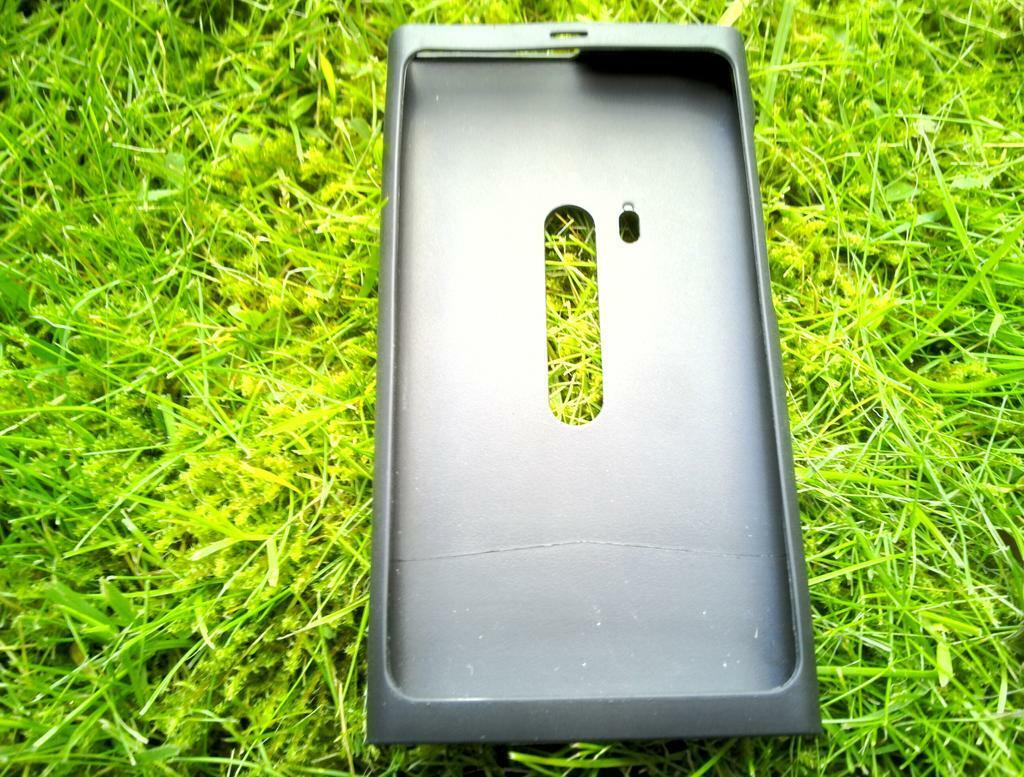 5-Nokia_N9_Black_Silicone