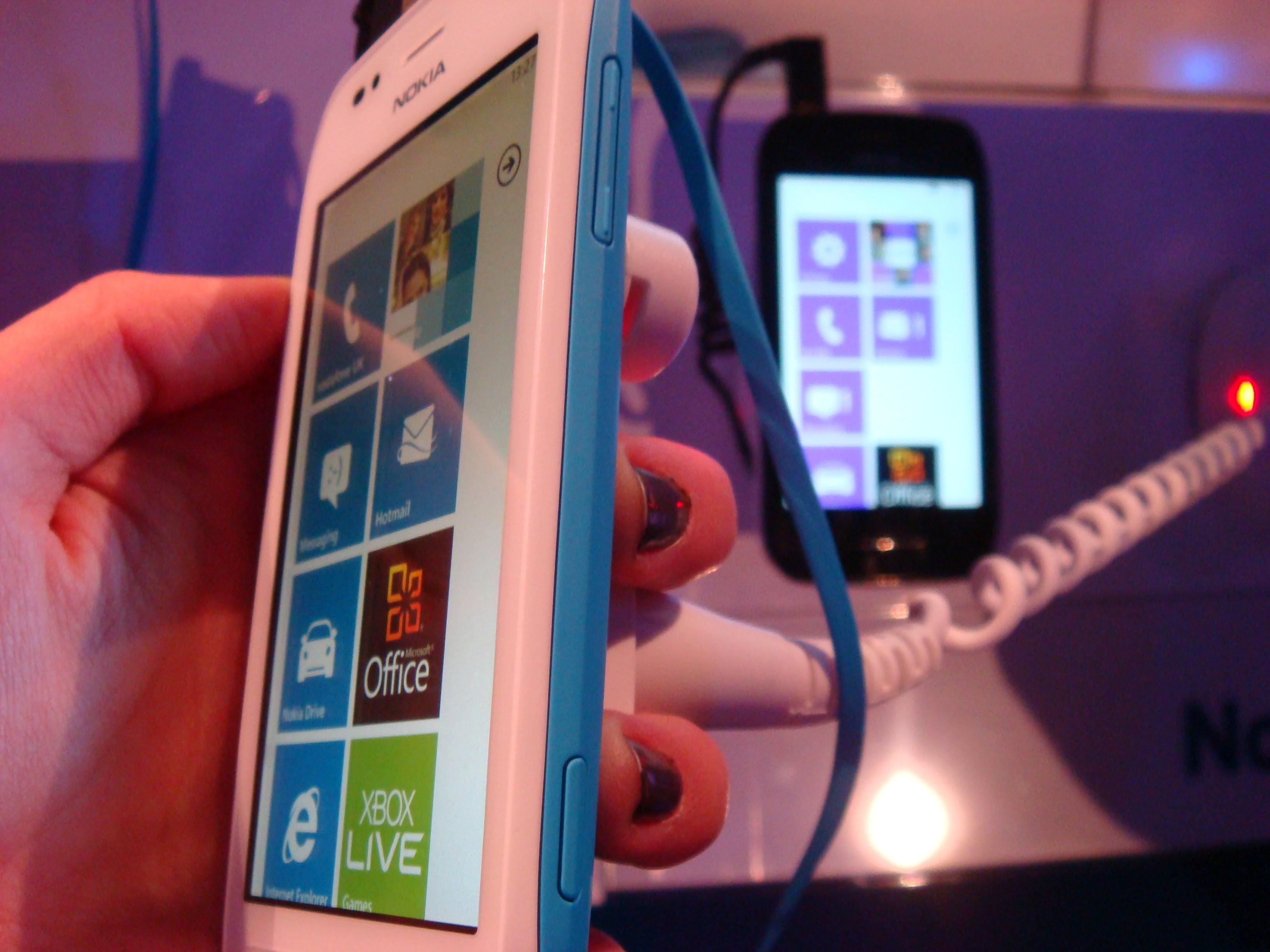 Lancement imminent du Lumia 710 aux USA !