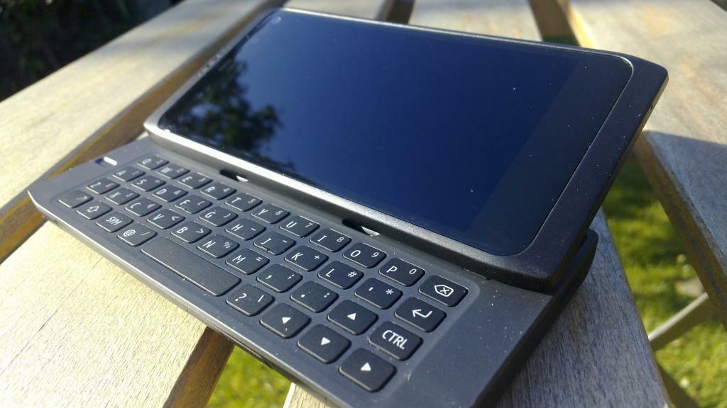 Pourquoi je suis devenu fanboy Maemo / MeeGo au point d'avoir un Nokia N950
