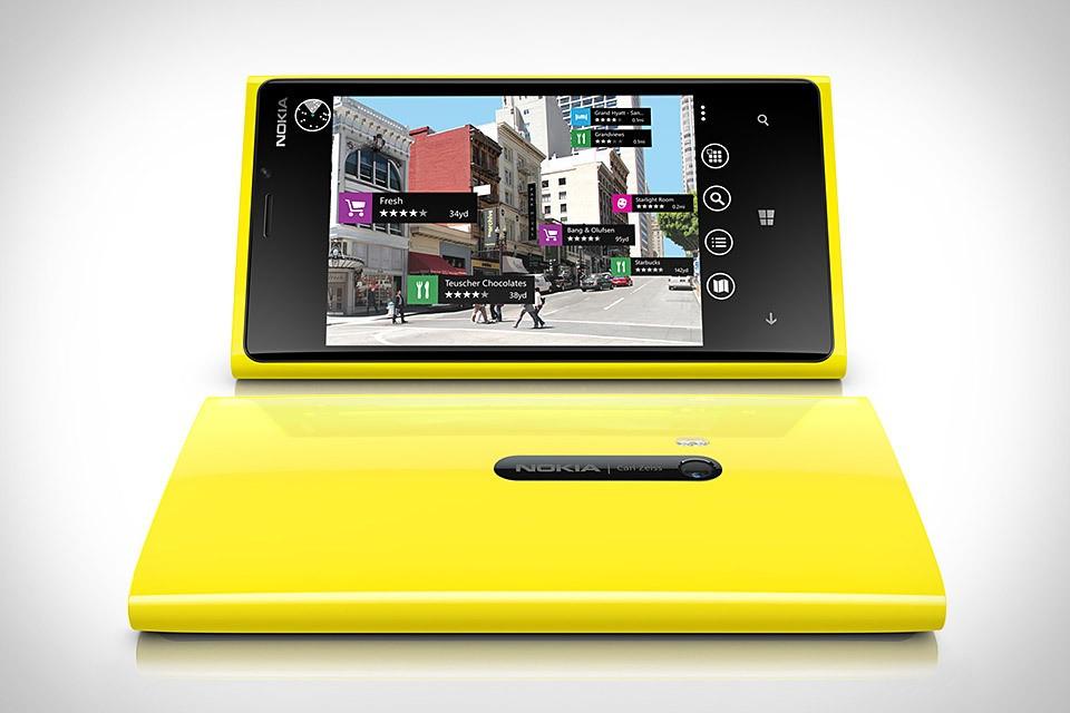 Aux Pays-Bas, le Lumia 920 attire autant que l'iPhone 5