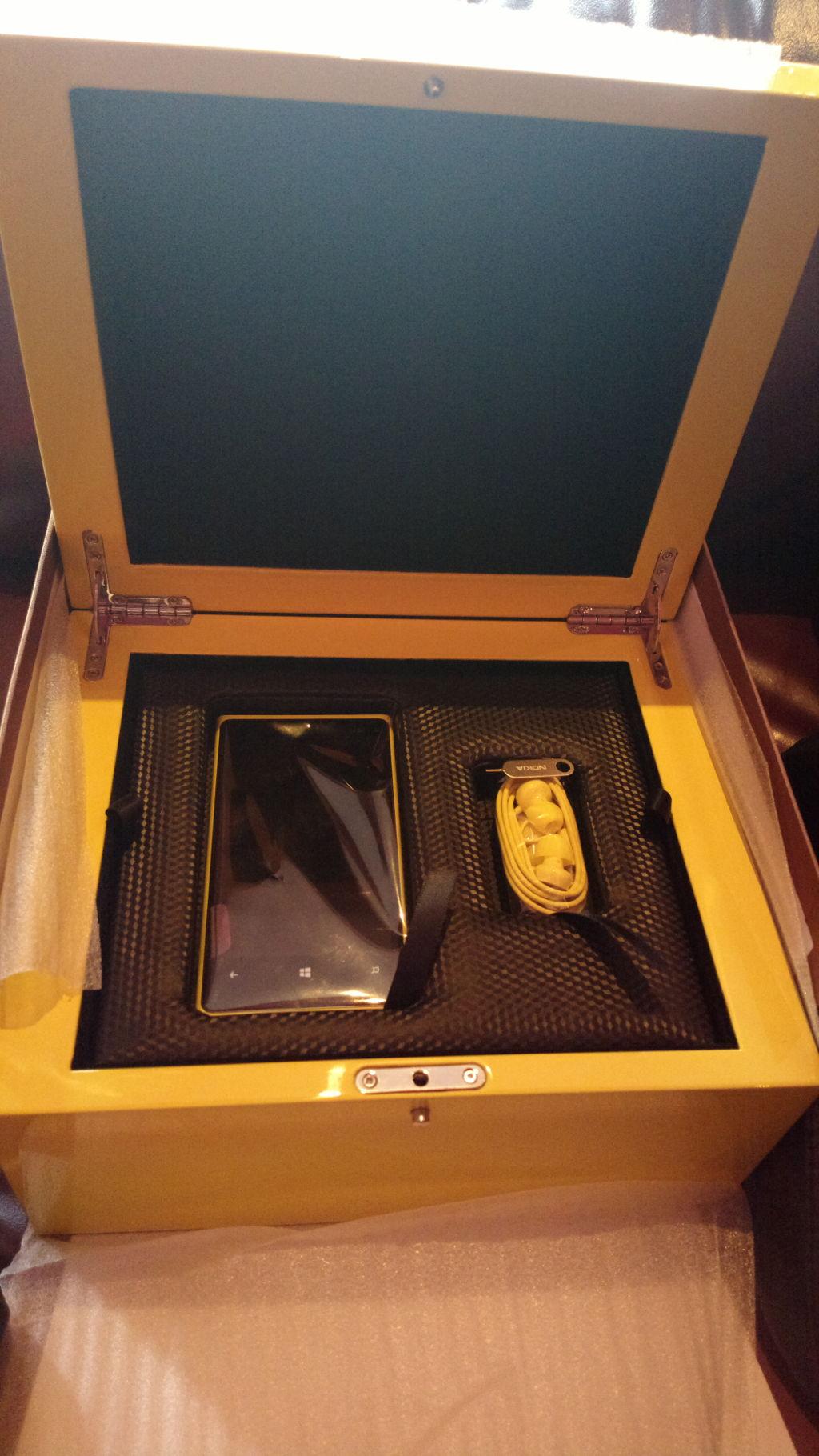 Dubaï gâte ses blogueurs avec un coffret édition limitée du Lumia 920