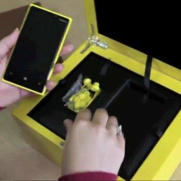 Déballage du Lumia 920 en coffret édition spéciale
