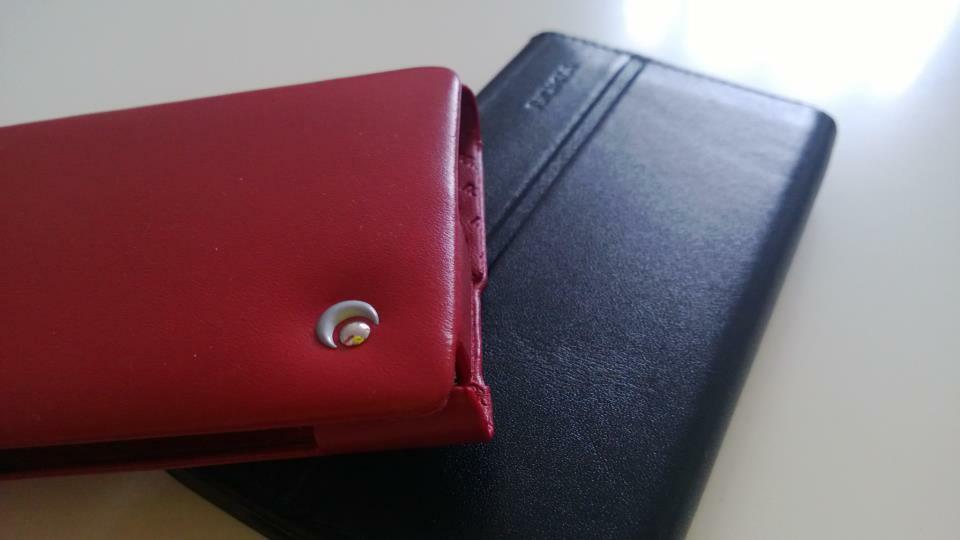 Lumia 920 : Etui NoRêve Tradition vs etui Nokia CP-600