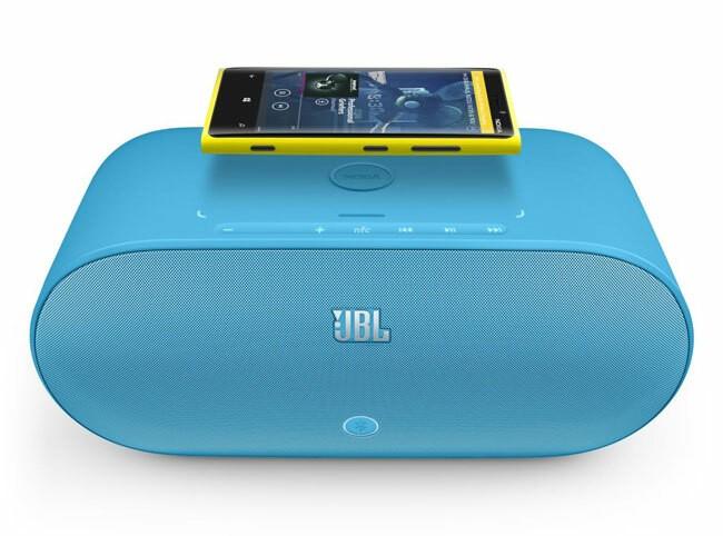 Enceinte JBL à chargement sans fil offerte pour l'achat d'un Lumia 925 chez Sosh !
