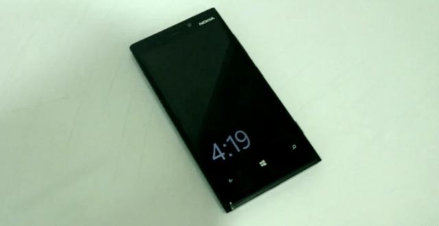 Exclusif, vidéo du «double toucher» sur l'écran du Lumia 920 pour le sortir de veille