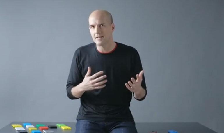 Présentation du Nokia Asha 501 par Peter Skillman (Nokia Design Team)