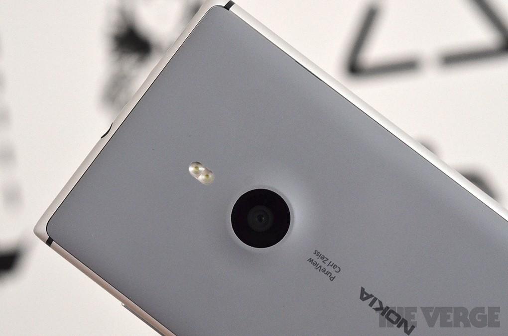 Nouvelle publicité Nokia Lumia 925 : Ne laissez pas les ténèbres ruiner vos photos