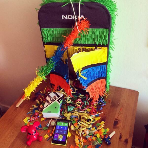 Nokia envoie des pi atas pour le lancement du nokiaxl nokians la parole aux fans de nokia - Quoi mettre dans une pinata ...