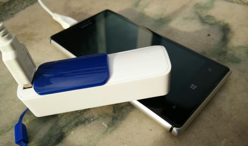 [Test] Batterie externe universelle Playfect Slide 2200mAh
