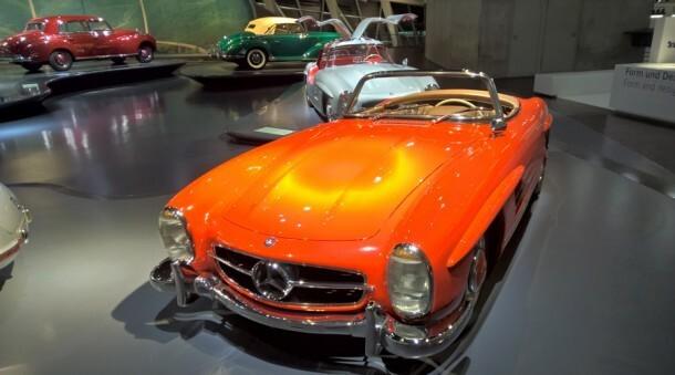 Mercedes-Benz-Museum_2