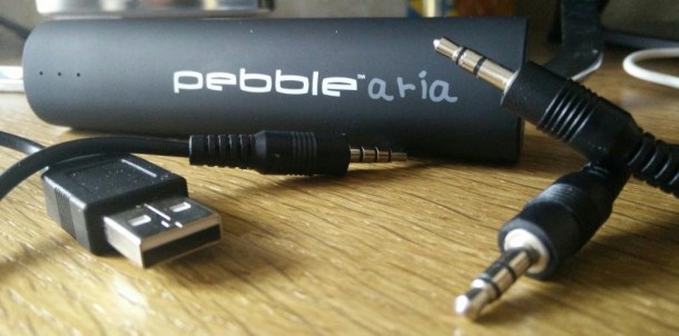 Veho Pebble Aria 3500mAh NOKIANS Cables