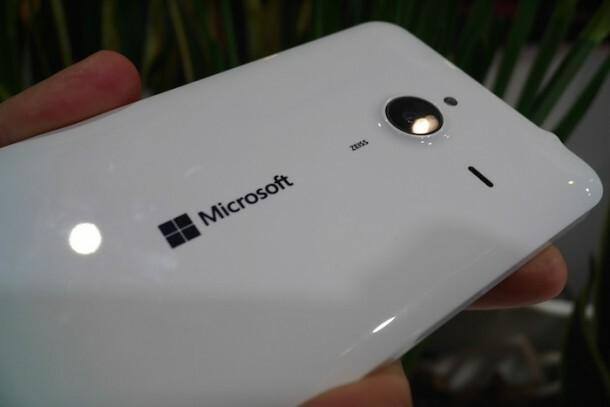 mwc15-prise-en-main-lumia-640-lumia-640-xl-1