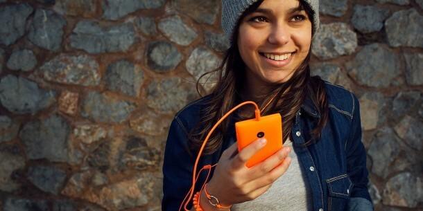 Lumia-435-Design-jpg