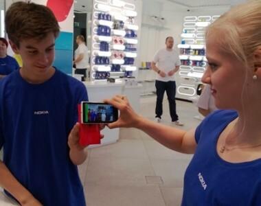Nokia ferme boutique en Finlande