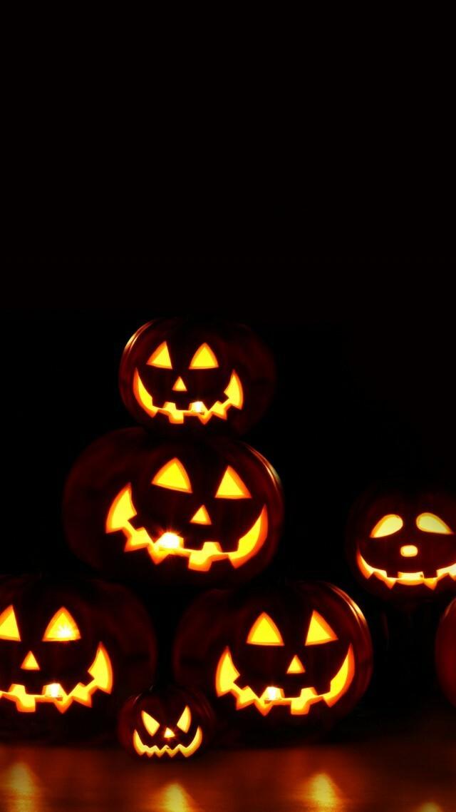 Halloween-Wallpaper-For-Phone