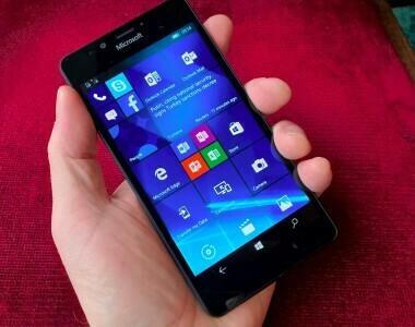 Quelques photos du Lumia 950 noir