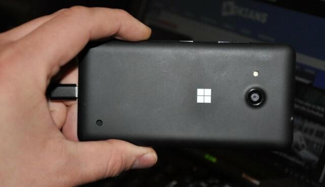 Microsoft Lumia 550 3