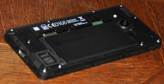 Microsoft Lumia 550 4