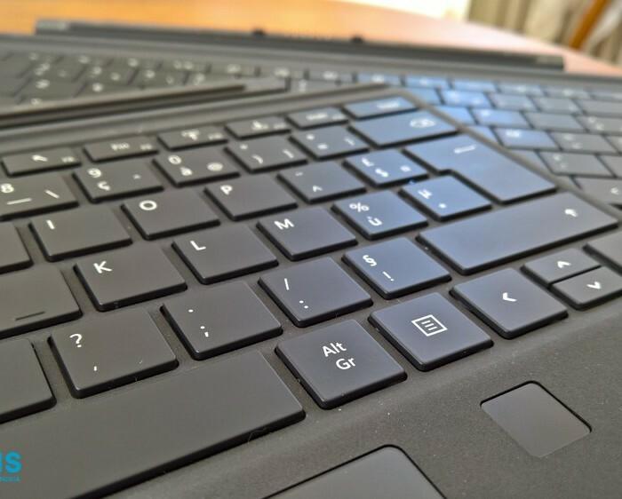 [Accessoire]  Test du clavier Type Cover Surface Pro 3 / Surface Pro 4 avec empreintes digitales