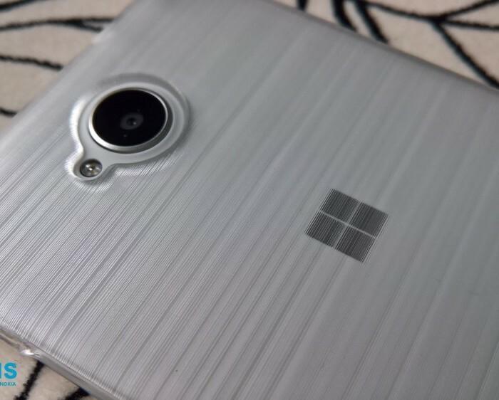 [Accessoire]  Test de la coque transparente Krusell pour Lumia 650
