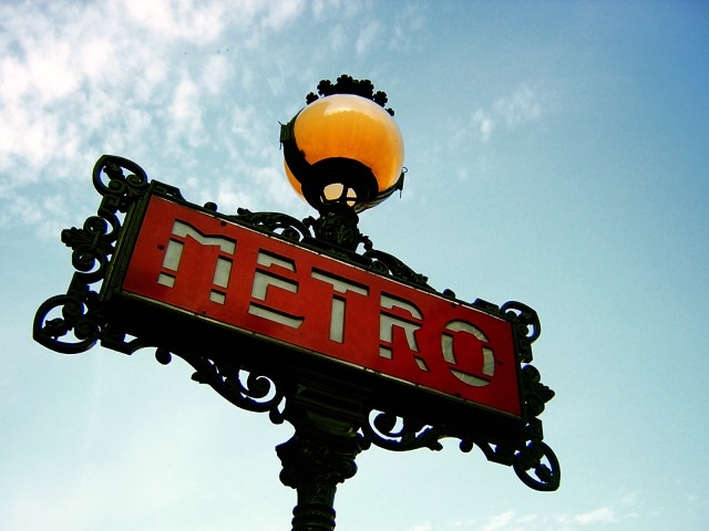Paris-Metro-Sign