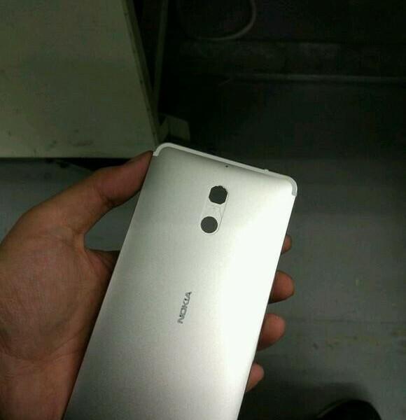 [Fuite]  Le Nokia D1C se dévoile un peu plus avec des nouvelles photos