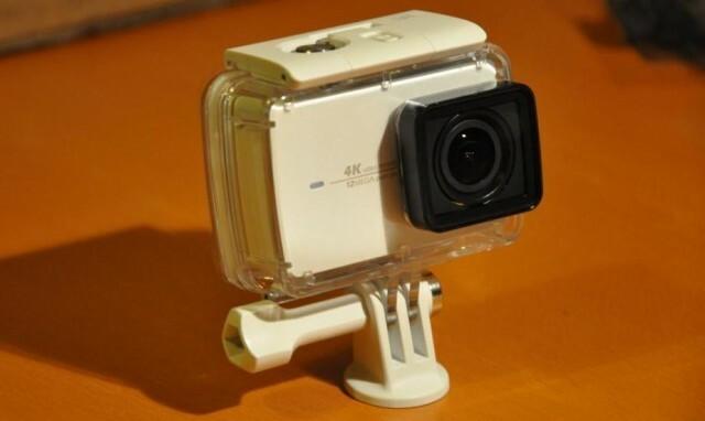 9-yi-4k-action-camera-dans-boitier