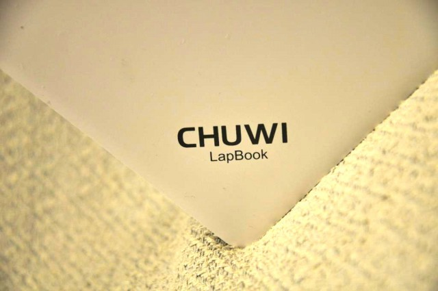 1-chuwi-lapbook-windows-10-logo