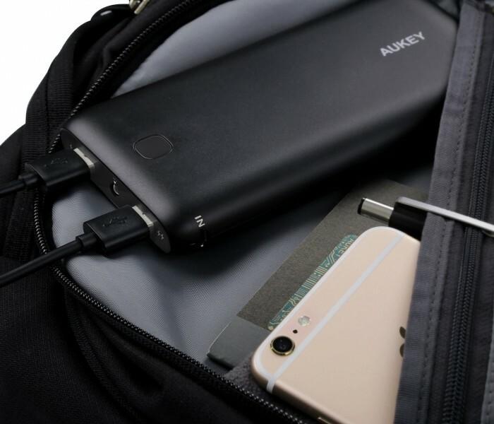 [Soldes]  Batterie externe et chargeur USB Aukey en promo