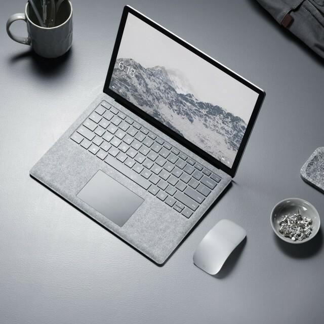 MSSurface_Laptop2_Topdown_1055_V2_RGB_1x1