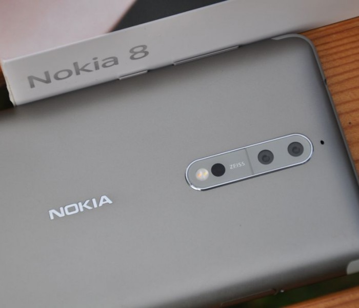 Nokia 8 : Les premiers croquis de conception