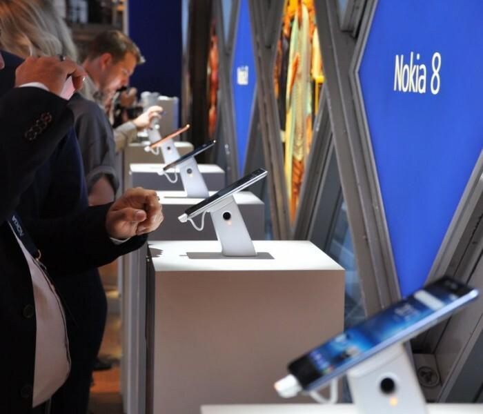 [Vidéo]  Présentation du Nokia 8 par le responsable de HMD France