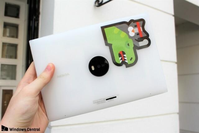 Lumia-2020-back_0