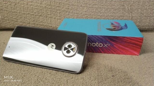 Moto X4 Nokians 1