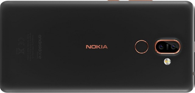 Nokia7plus_03_phone-03