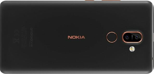 Nokia7plus_03_phone-03