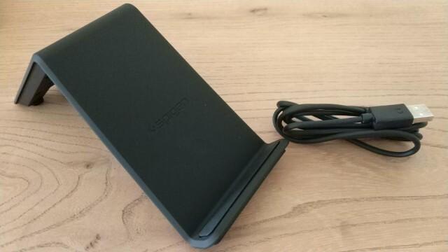 Chargeur rapide sans fil Spigen Essentials FW303W 2