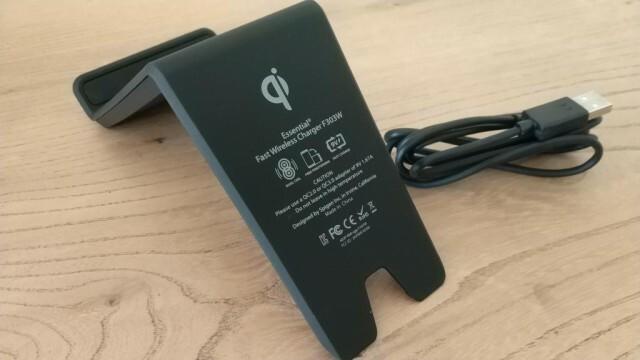 Chargeur rapide sans fil Spigen Essentials FW303W 3