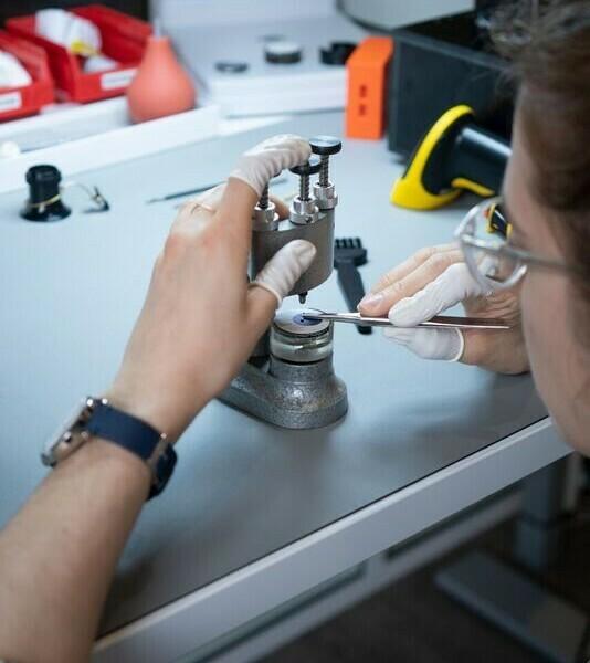 Withings est la première marque à proposer une montre connectée 100% personnalisable « Made in France » et inaugure sa Manufacture